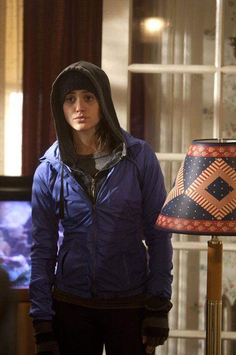 Eigentlich sollte sich Fiona (Emmy Rossum) über die unerwartete Hilfe ihrer Mutter Monica freuen ... - Bildquelle: 2010 Warner Brothers