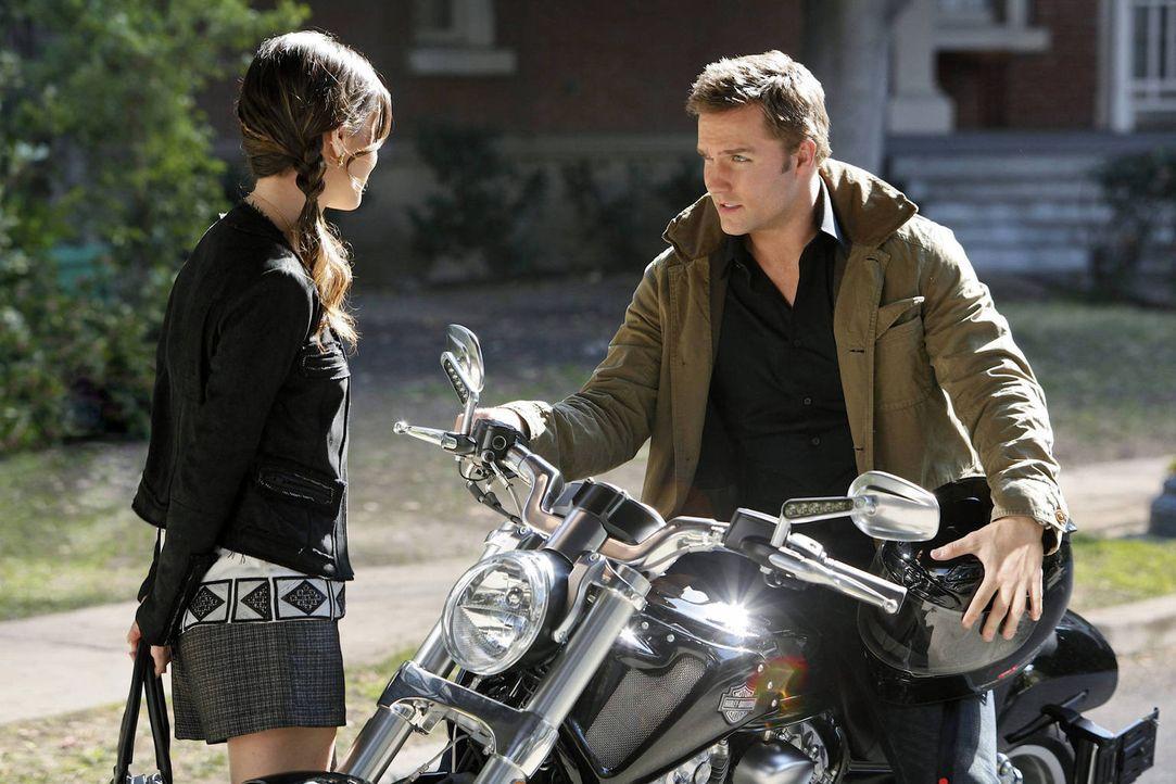 Als George (Scott Porter, r.) sich ein Motorrad kauft und nach New Orleans fahren will, ist es für Zoe (Rachel Bilson, l.) ganz klar: George hängt i... - Bildquelle: Warner Bros.