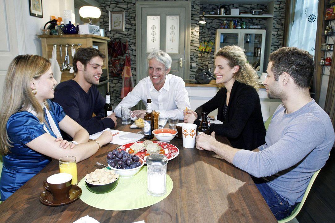 Robert und Jonas sind entschlossen, gemeinsam um die Agentur kämpfen. v.l.n.r.: Katja (Karolina Lodyga), Jonas (Roy Peter Link), Robert (Mathieu Car... - Bildquelle: Noreen Flynn Sat.1