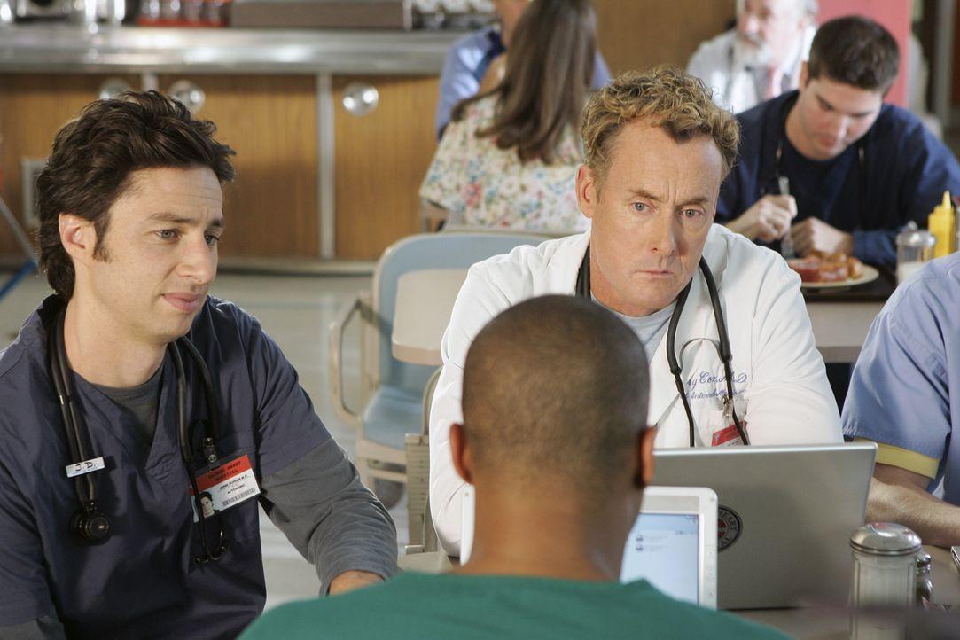 Turk (Donald Faison, vorne) und Dr. Cox (John C. McGinley, r.) können nicht glauben, dass J.D. (Zach Braff, l.) die Liste anführt ... - Bildquelle: Touchstone Television