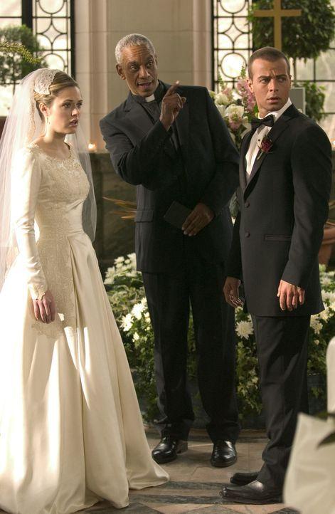 Mit viel Ehe-Pessimismus bringen ihre Freunde mächtig Unruhe in das Leben von Kelly (Maggie Lawson, l.) und Michael (Joseph Lawrence, r.). Sogar no... - Bildquelle: ABC Family