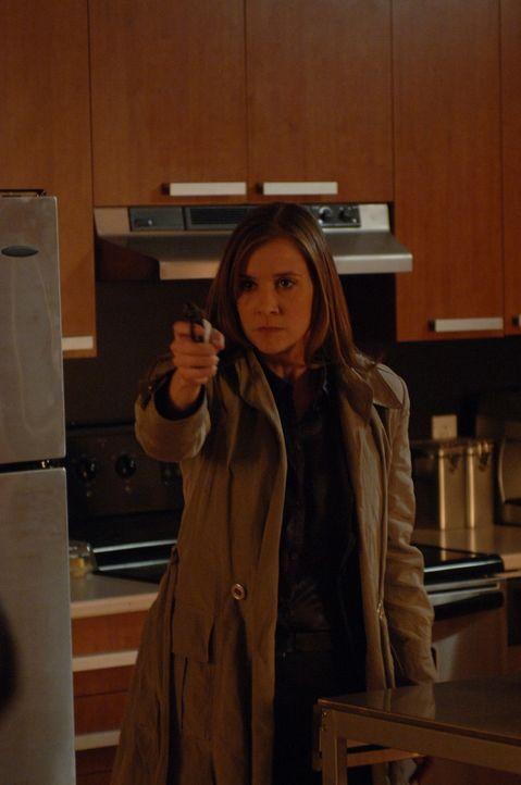 Muss eine schwierige Entscheidung treffen: Nina (Kellie Martin) ... - Bildquelle: INCENDO MY BRO PRODUCTION INC. All rights reserved