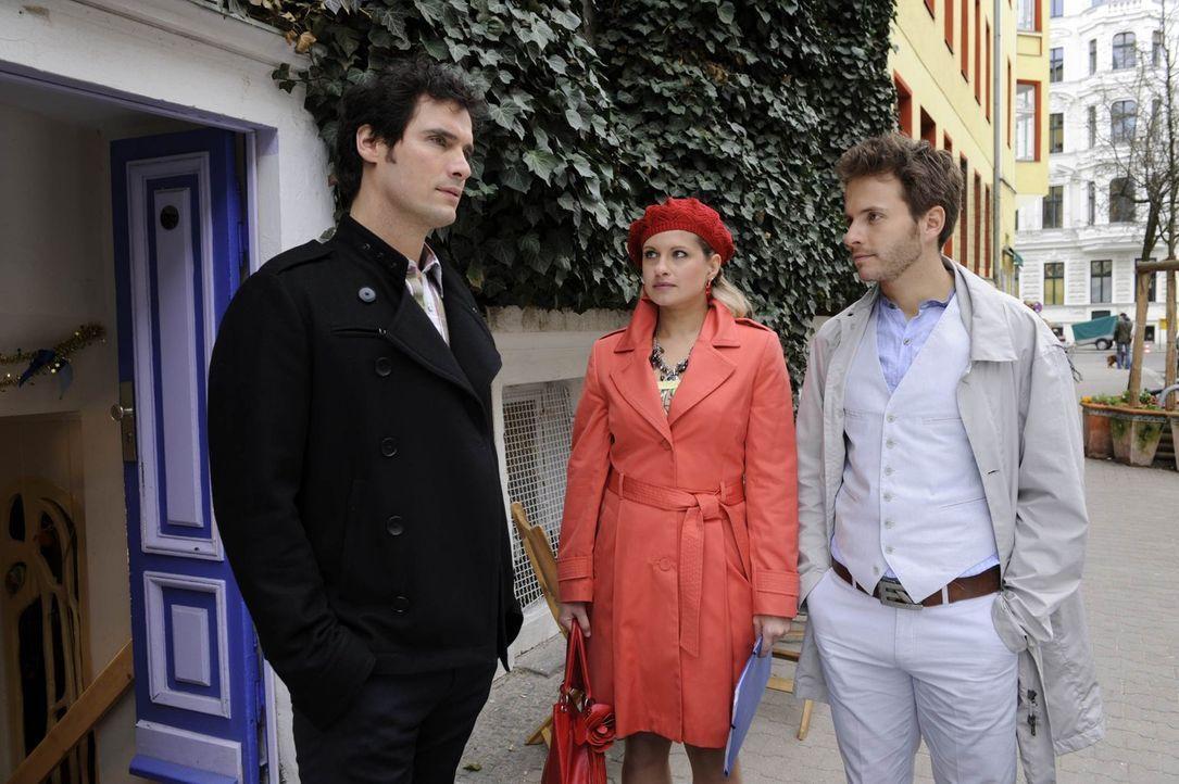 Nachdem Alexander den Kuss von Enrique an Mia beobachtet hat, versuchen alle drei, möglichst souverän damit umzugehen. Doch das ist gar nicht so e... - Bildquelle: SAT.1