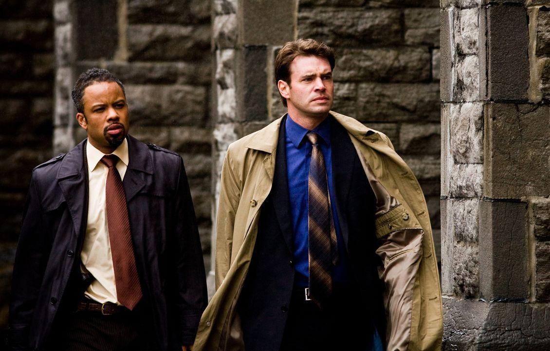 Müssen einen Mörder ausfindig machen, der sich als ein Nachfahre der Tempelritter sieht: Sean Daley (Scott Foley, r.) und Nick Apara (Christian Paul... - Bildquelle: 2008 Templar Productions (Muse) Inc. All Rights Reserved