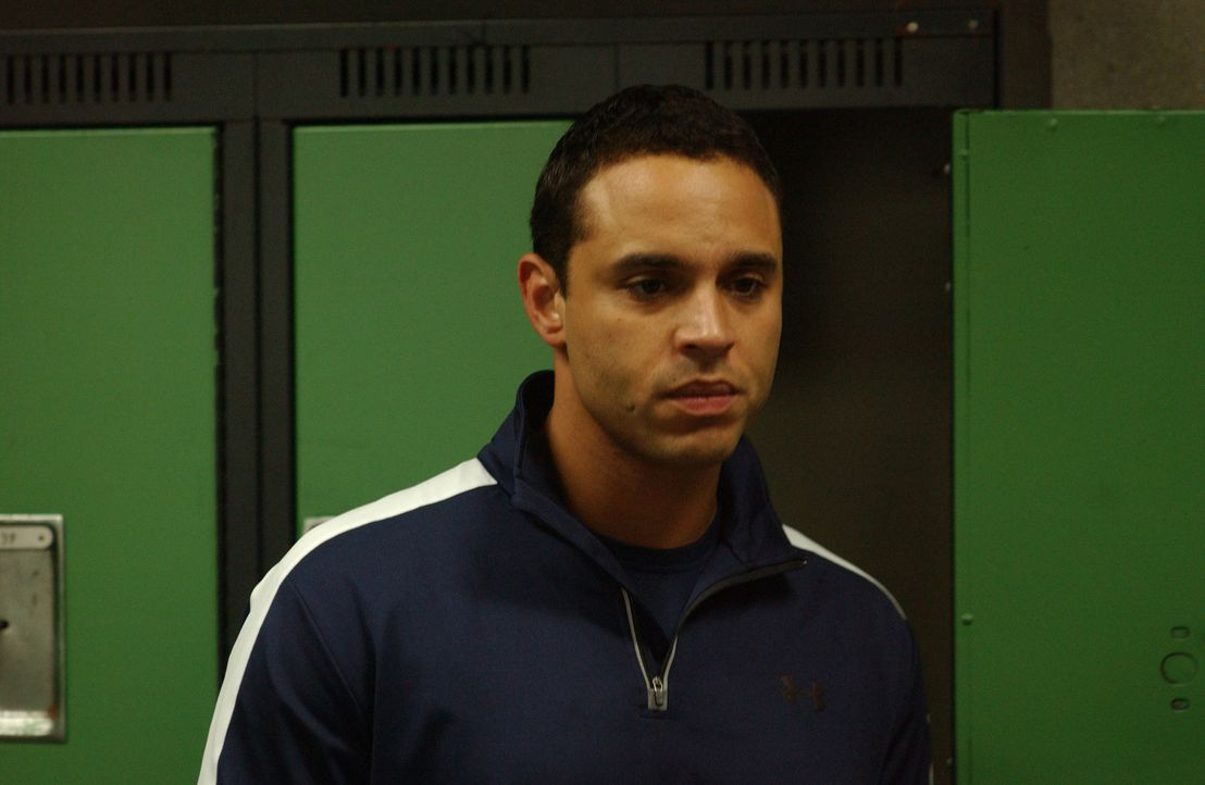 Franco (Daniel Sunjata) muss Alicia gestehen, dass er sich verlobt hat ... - Bildquelle: 2007 Sony Pictures Television Inc. All Rights Reserved