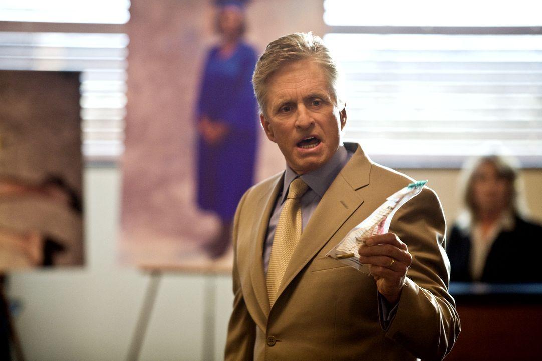 Dem ehrgeizigen Bezirksstaatsanwalt Mark Hunter (Michael Douglas) ist jedes Mittel recht, um einen Fall für sich zu gewinnen und somit Gouverneur zu... - Bildquelle: Rico Torres Signature Pictures / Foresight-Unlimited BARD 2008. All rights reserved.