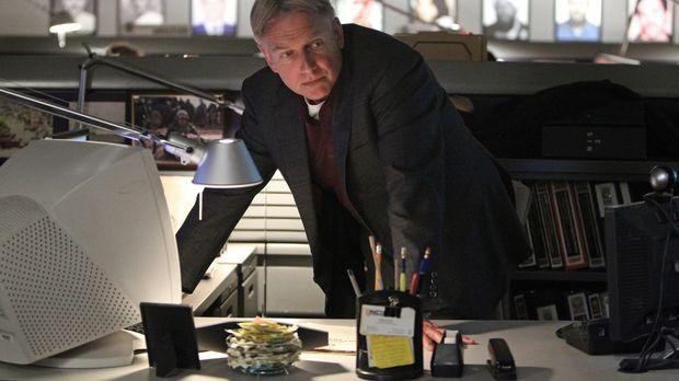 Bei den Ermittlungen in einem neuen Fall, stoßen Gibbs (Mark Harmon) und sein...