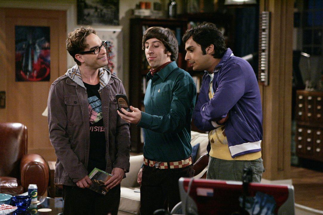 Eigentlich wollen Sheldon, Leonard (Johnny Galecki, l.), Howard (Simon Helberg, M.) und Rajesh (Kunal Nayyar, r.) die ganze Nacht durch das Computer... - Bildquelle: Warner Bros. Television