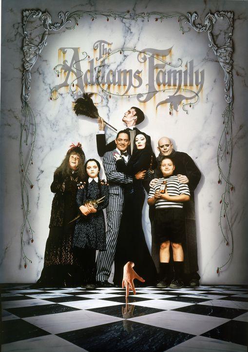 Schon seit 25 Jahren wird Onkel Fester vermisst, nun will eine böse Ärztin den Addams einen Doppelgänger unterjubeln. Der falsche Onkel passt sic... - Bildquelle: Paramount Pictures Global