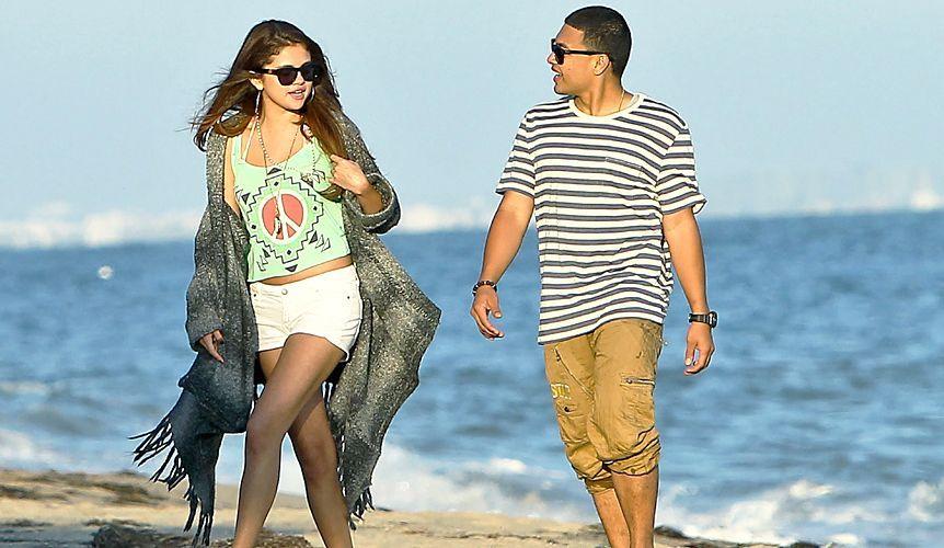 Selena-Gomez-2012-7-2-WENN