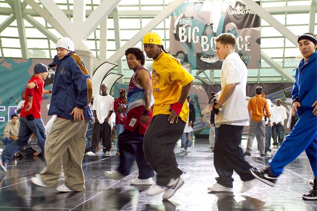 David (Omari Grandberry, M.) und Elgin haben die beste Crew und sind daher siegesgewiss, als eine Clique von Weißen sie zu einem Tanzduell herausfor... - Bildquelle: 2004 Screen Gems, Inc. All Rights Reserved.