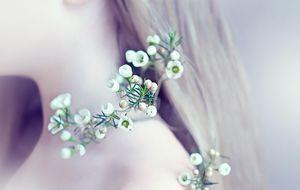 Nacken-Blumenblüten