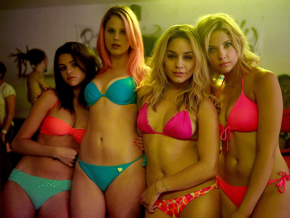 springbreakers-03-wild-bunch-germanyjpg 1700 x 1277 - Bildquelle: wildbunch germany