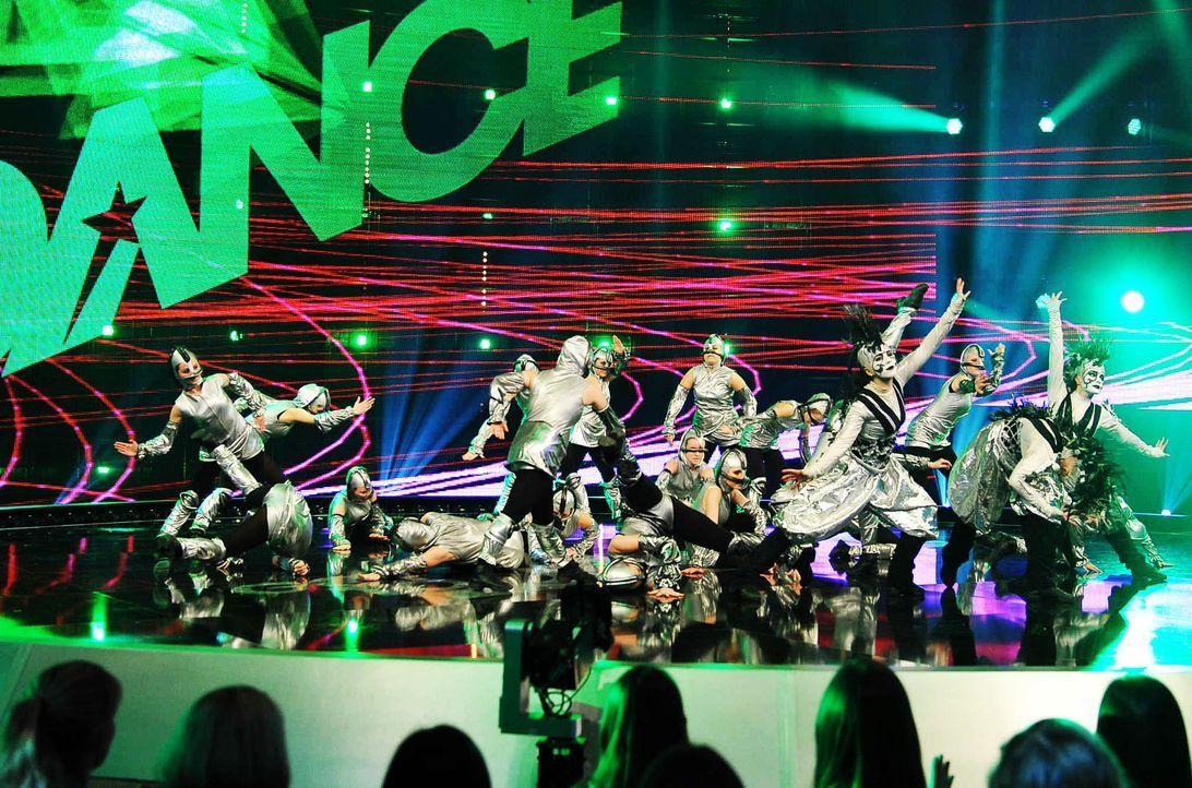 Got-To-Dance-Kosmosgruppe-13-SAT1-ProSieben-Willi-Weber - Bildquelle: SAT.1/ProSieben/Willi Weber