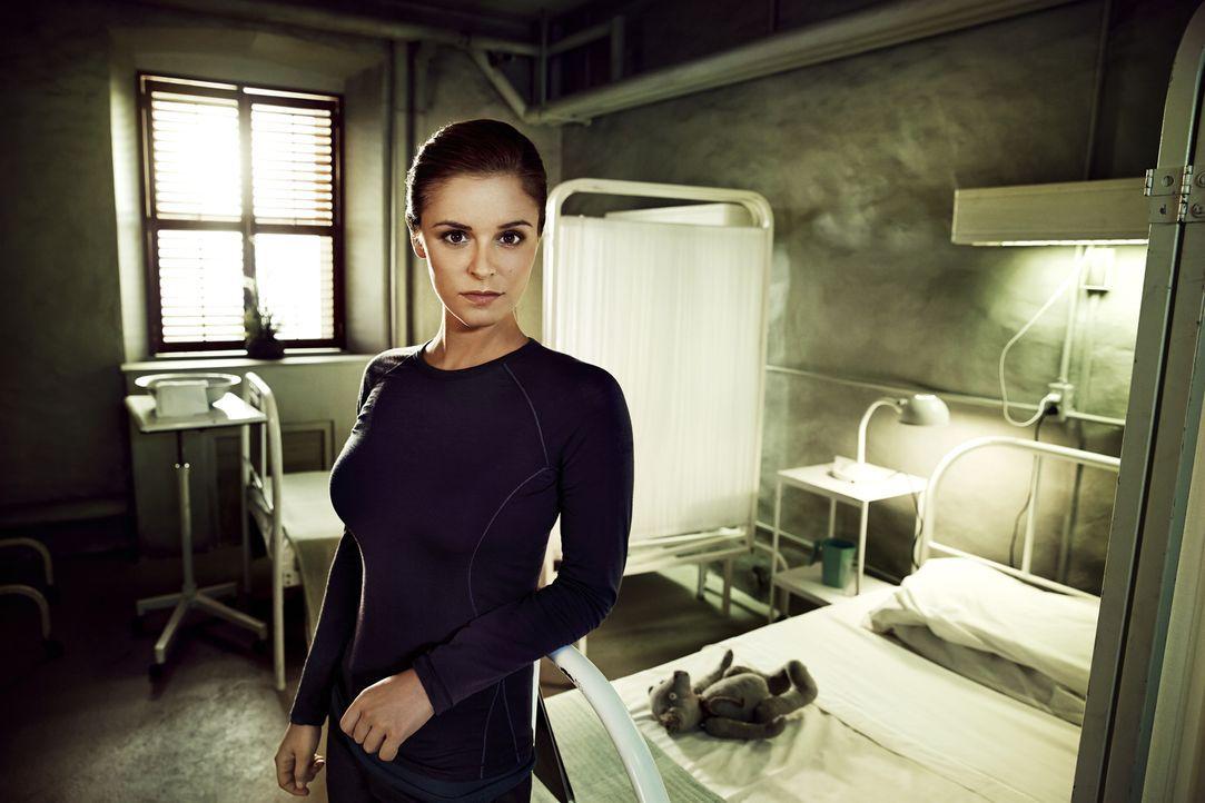 (2. Staffel) - Als Dr. Sarah Jordan (Jordan Hayes) auf der Insel ankommt, ahnt sie nicht, welch weitreichende Folgen ihr Erscheinen für sie und den... - Bildquelle: Jeff Riedel 2014 Syfy Media, LLC