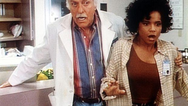 Amanda (Victoria Rowell, r.) und Mark (Dick Van Dyke, l.) überstehen tapfer d...