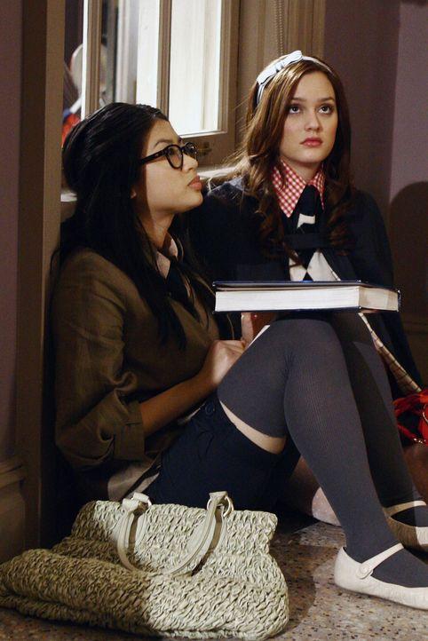 Gemeinsam mit ihren Freundinnen spinnt Blair (Leighton Meester, r.) eine Intrige gegen Nelly Yuki (Yin Chang, l.). Doch wird ihr Plan aufgehen? - Bildquelle: Warner Bros. Television