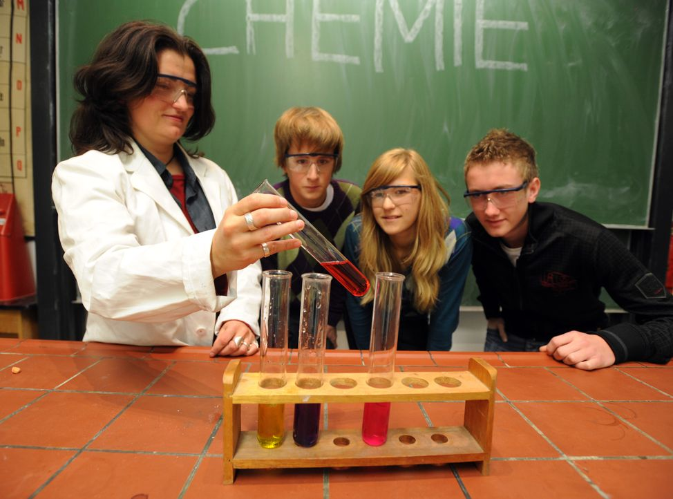 Chemie - Bildquelle: dpa
