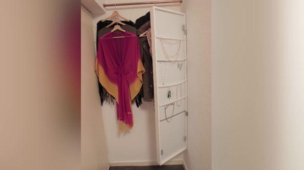janins diy spiegel mit schmuckaufbewahrung. Black Bedroom Furniture Sets. Home Design Ideas