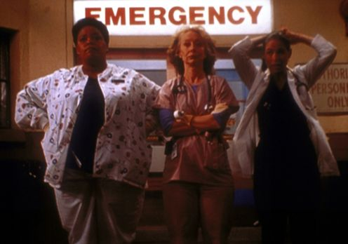 Emergency Room - (v.l.n.r.) Haleh (Yvette Freeman), Wright (Ellen Crawford) u...