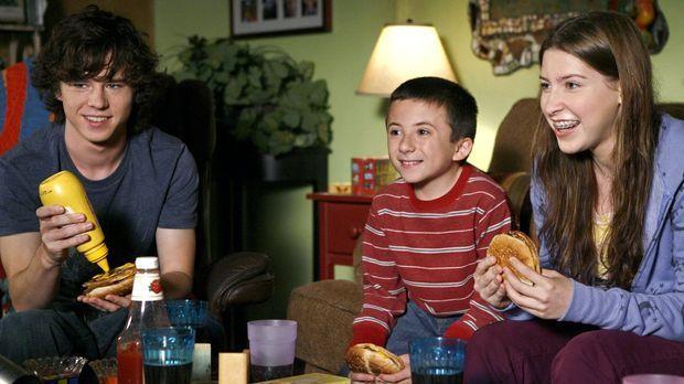 Ein romantisches Date wartet auf Frankie und Mike. Doch machen Brick (Atticus...