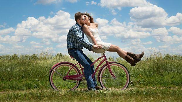 Gemeinsame Hobbys und Interessen sind die Grundlage für eine stabile Beziehung.