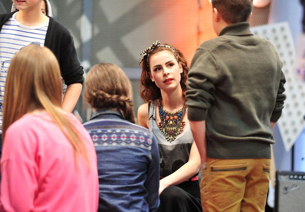 The-Voice-Kids-Stf02-Epi06-Lena-31-SAT1-Andre-Kowalski - Bildquelle: SAT.1/Andre Kowalski