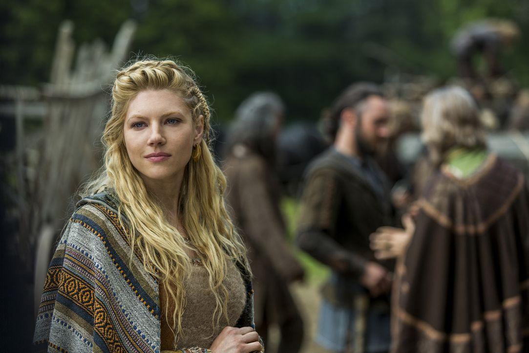Während Ragnar und Aethelwulf gemeinsam mit ihren Männern versuchen, die Armee von Lord Burgred zu besiegen, um für König Ecbert die Macht über Merc... - Bildquelle: 2015 TM PRODUCTIONS LIMITED / T5 VIKINGS III PRODUCTIONS INC. ALL RIGHTS RESERVED.