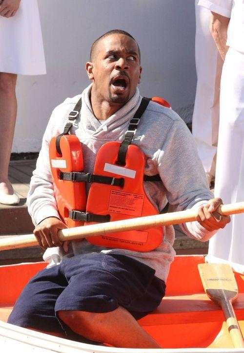 Während sich Coach (Damon Wayans Jr.) am Schiff lächerlich macht - plant Schmidt, Cece zurückzuerobern ... - Bildquelle: 2014 Twentieth Century Fox Film Corporation. All rights reserved.