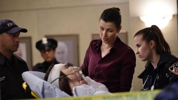 Nach dem Einbruch in ihre Wohnung, wird jetzt auch noch Erins (Bridget Moynah...