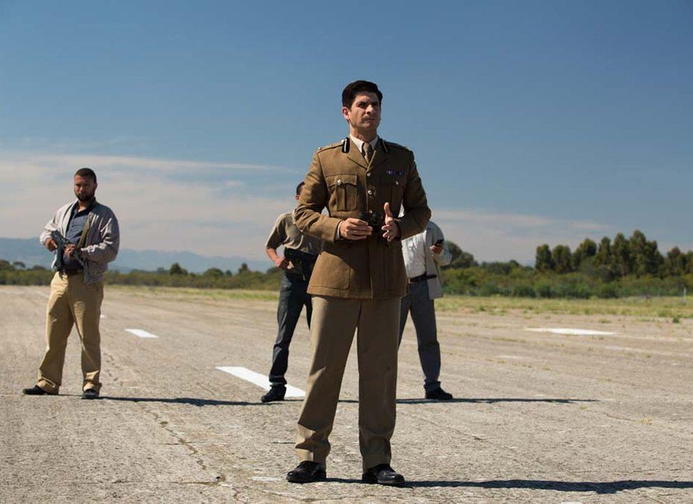 Kann Carrie Aasar Khan (Raza Jaffrey) vertrauen, oder spielt er ein falsches Spiel mit ihr? - Bildquelle: Homeland   2014 Twentieth Century Fox Film Corporation