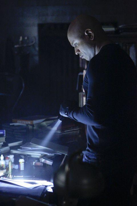 Undercover im Einsatz, um die nationale Sicherheit zu wahren: Special Agent Sam Hanna (LL Cool J) ... - Bildquelle: CBS Studios Inc. All Rights Reserved.