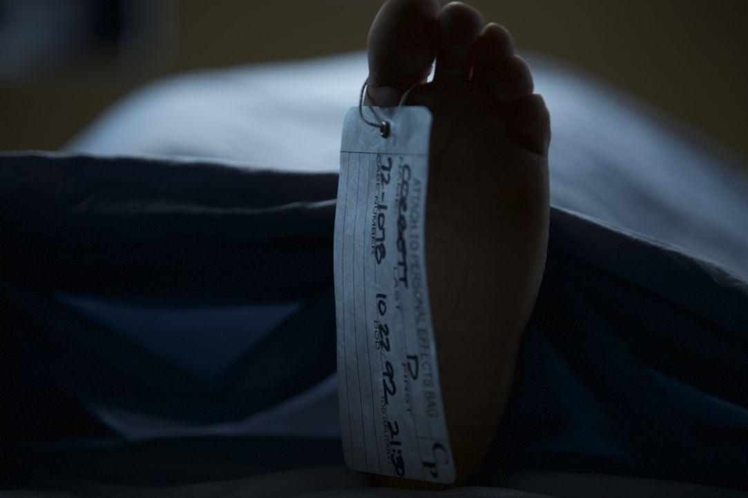 Ein junger Soldat stirbt an einer Kugel im Hals durch einen scheinbaren Selbstmord, ausgelöst durch einen Blowout-Kampf mit seiner Freundin. Aber ei... - Bildquelle: Jupiter Entertainment.