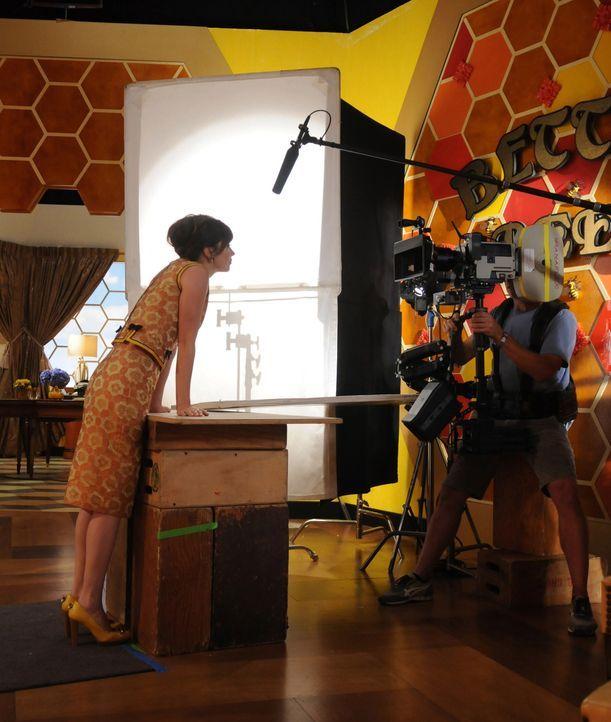 """Bei den Dreharbeiten zu """"Pushing Daisies"""" ... - Bildquelle: Warner Brothers"""