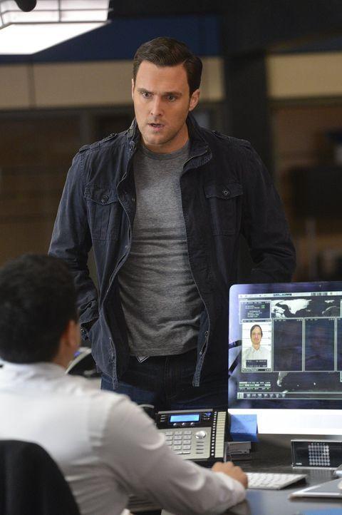 Was kann er tun, um Grace und ihr Baby in Zukunft zu schützen? Wayne (Owain Yeoman) ist nach einem Anschlag auf seine Familie äußerst beunruhigt und... - Bildquelle: Warner Bros. Television
