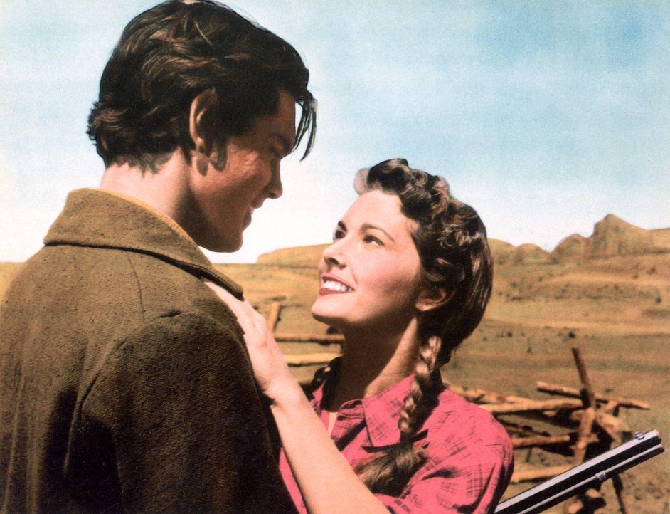 Freudiges Wiedersehen: Martin Pawley (Jeffrey Hunter, l.) und Laurie Jorgensen (Vera Miles, r.) - Bildquelle: Warner Bros.
