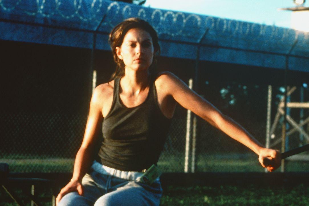 Noch im Gefängnis einsitzend, muss Libby (Ashley Judd) befürchten, Opfer einer bösartigen Verschwörung geworden zu sein ... - Bildquelle: Paramount Pictures