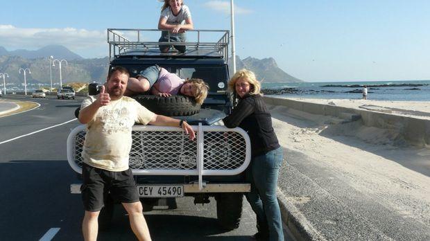 Gemeinsam mit ihren Kindern Florian (21), Charleen (11), Kimberly (10) wollen...