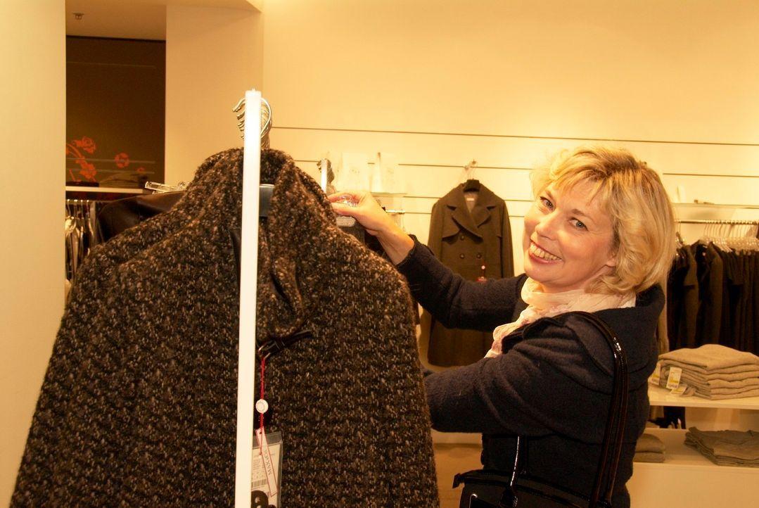 Maria sucht ein atemberaubendes Outfit, um ihre frühere Liebe wiederzugewinnen ... - Bildquelle: Walter Wehner Sat.1