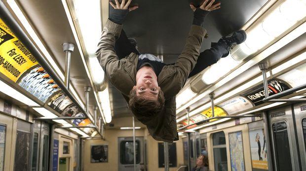 Peter Parker (Andrew Garfield) hat es nicht leicht. In der Schule gehört er z...