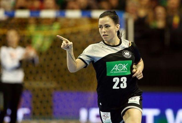 Huber und die Handballerinnen erreichen das Achtelfinale