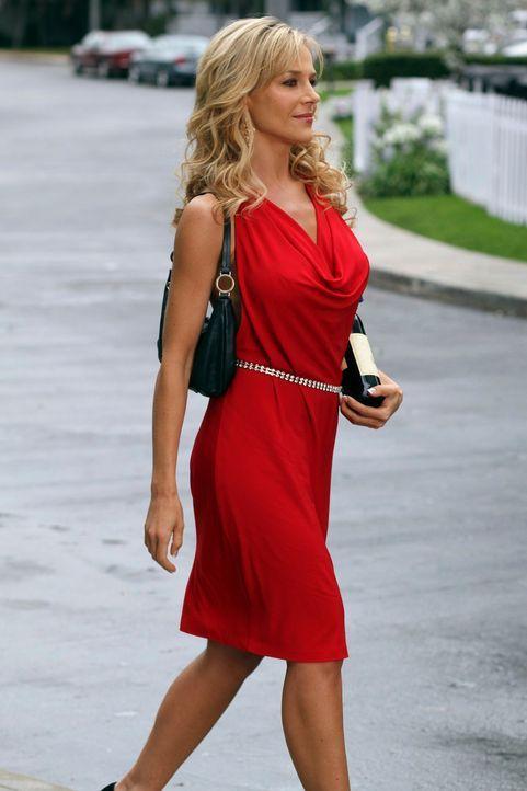 Hat einen ungeahnten Effekt auf die Nachbarschaft: die ehemalige Stripperin Robin (Julie Benz) ... - Bildquelle: ABC Studios