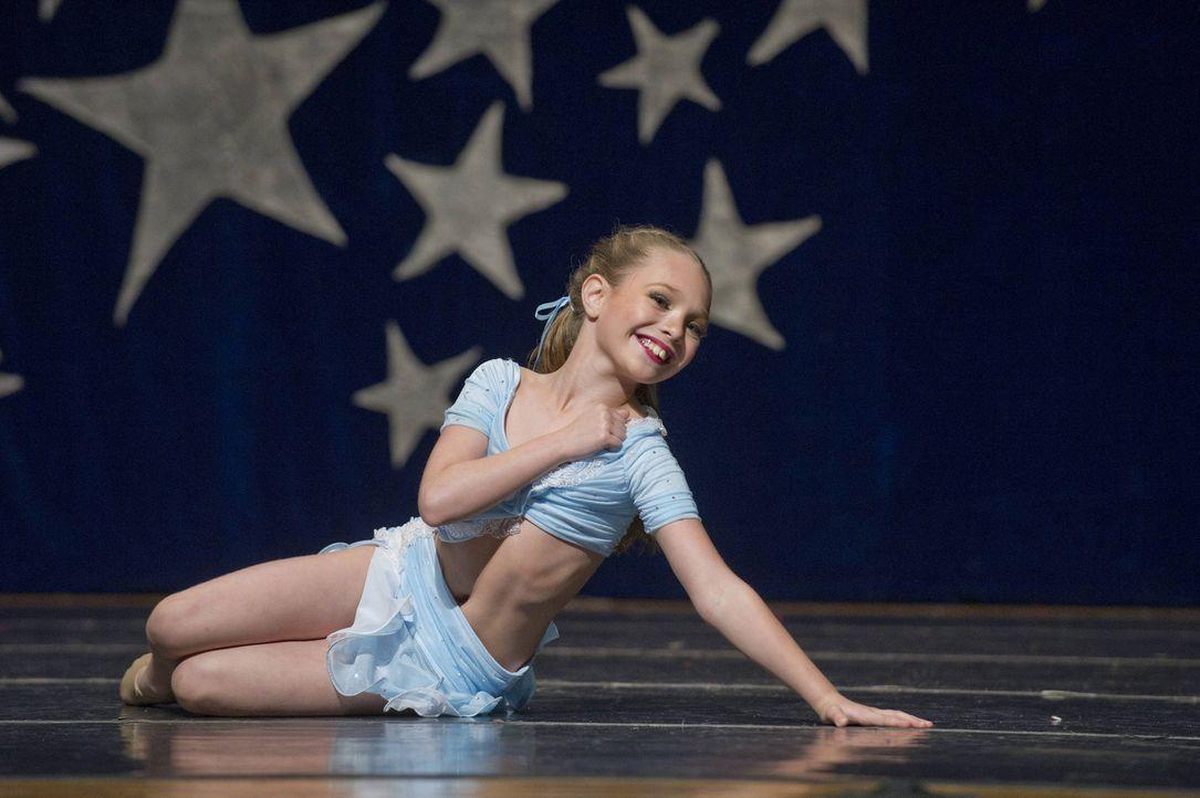 Während Maddie (Bild) eine gefragte Rolle bekommt, überzeugt Nia mit einem grandiosen Auftritt ... - Bildquelle: Barbara Nitke 2012 A+E Networks
