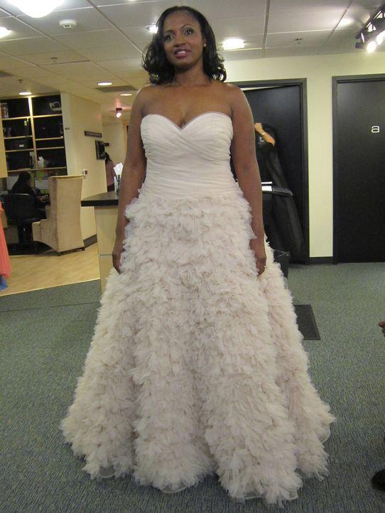 Ist Kimberly Fowler Pitts' Kleid wirklich das richtige oder ist es für ihre konservative Mutter zu sexy? - Bildquelle: Discovery Communications