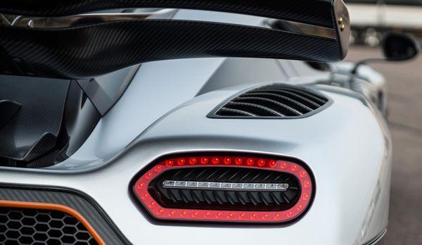 Koenigsegg One1 (2)