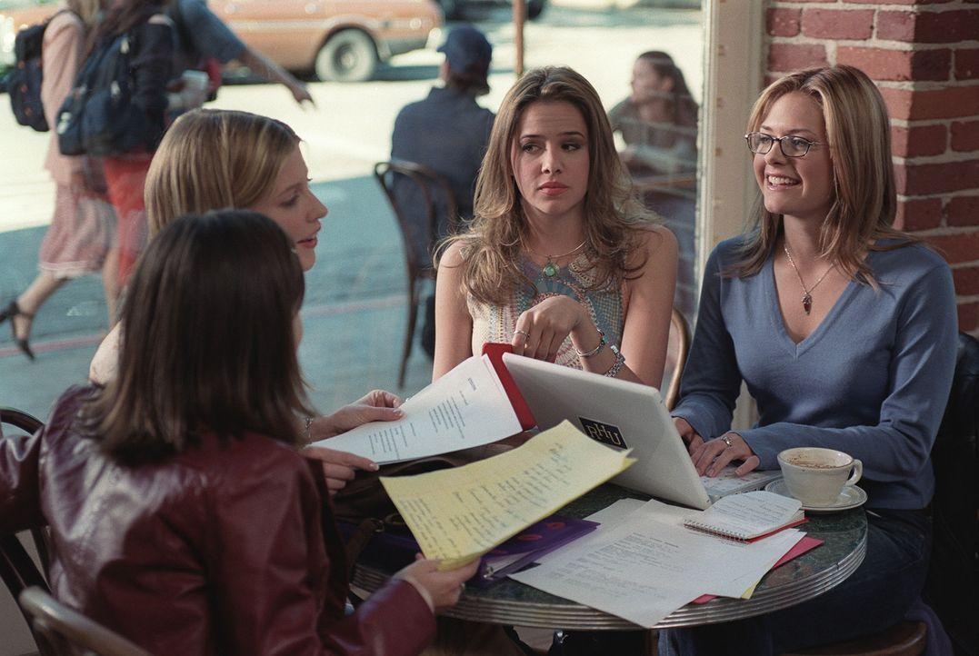 Gemeinsam entwickeln (v.l.n.r.) George (Lauren Birkell), Bess (Jill Ritchie), Teeny (Marieh Delfino) und Nancy Drew (Maggie Lawson) eine Strategie,... - Bildquelle: Buena Vista Television