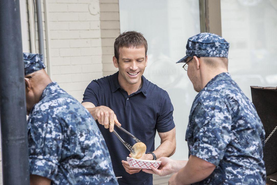 LaSalle und sein Team werden zu einer Explosion in einem Restaurant gerufen, bei der die Navy-Köchin Danielle Jarrett schwer verletzt wurde. Wollte... - Bildquelle: Skip Bolen 2016 CBS Broadcasting, Inc. All Rights Reserved