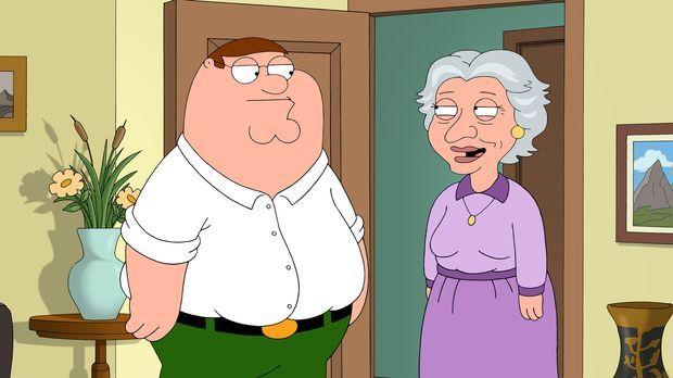 Peters Mutter ist verstorben. Der Verlust trifft Peter (l.) hart. Als er die...