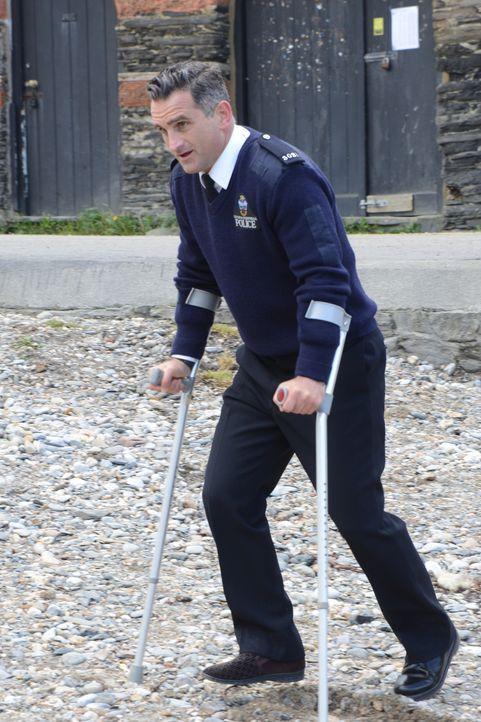 Schießt sich dummerweise selbst in den Fuß: Constabler Pennhale (John Marquez) ... - Bildquelle: BUFFALO PICTURES/ITV