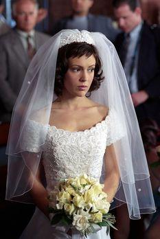 Charmed - Zauberhafte Hexen - Phoebe (Alyssa Milano) ist im Heiratsstress: Di...